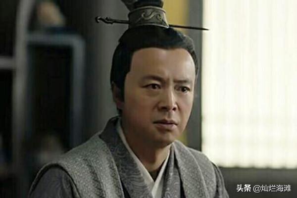 此人被刘备奉为上宾,曾经怒斥吕布,曹操为其伤心落泪