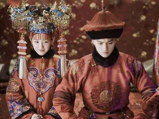 """幸运儿傅恒娶""""满洲第一美女""""为妻,乾隆为此懊悔,立马恢复选秀"""