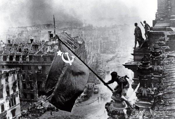 9张影响世界的老照片,如今看到依旧震撼人心