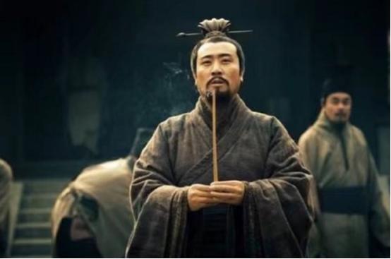 刘备说饿了,农夫立马杀妻给刘备做肉汤,鲁迅的评价一针见血