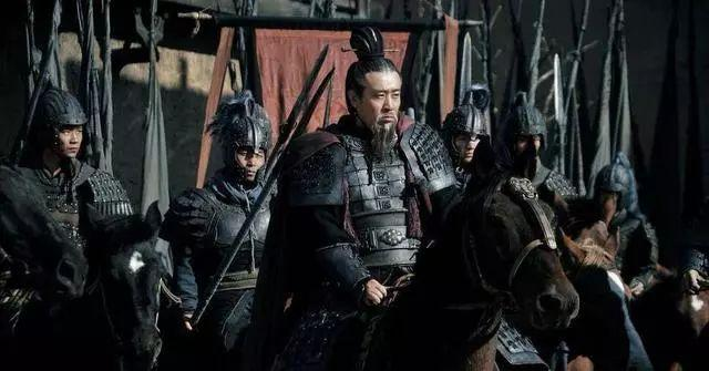 刘备临终前给了赵云一特权,赵云听不懂,诸葛亮听懂了却不敢讲