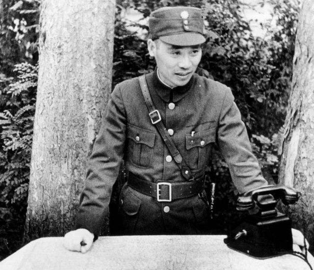连阳标统:张治中要下跪磕头,蒋介石要砸烂的抗战神器